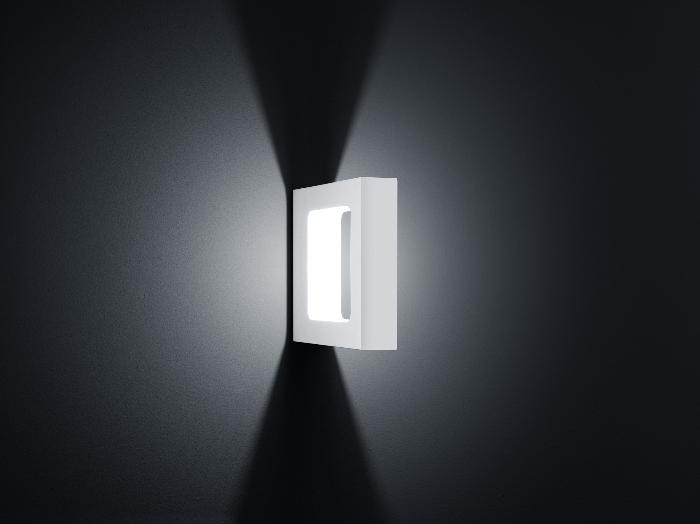 WIK - LED-Wandleuchte in mattweiß von Helestra